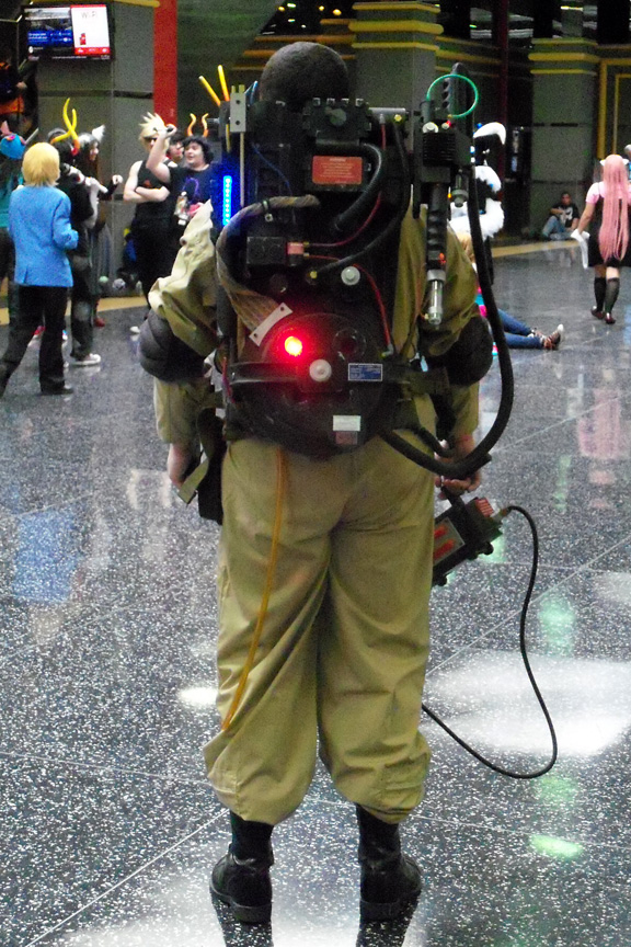 ACen-2014-Cosplay-04-ghostbuster-rear