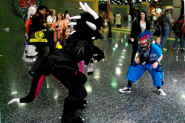 ACen-2014-Cosplay-28-dragon-fight