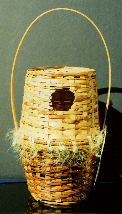 basket bird house 01